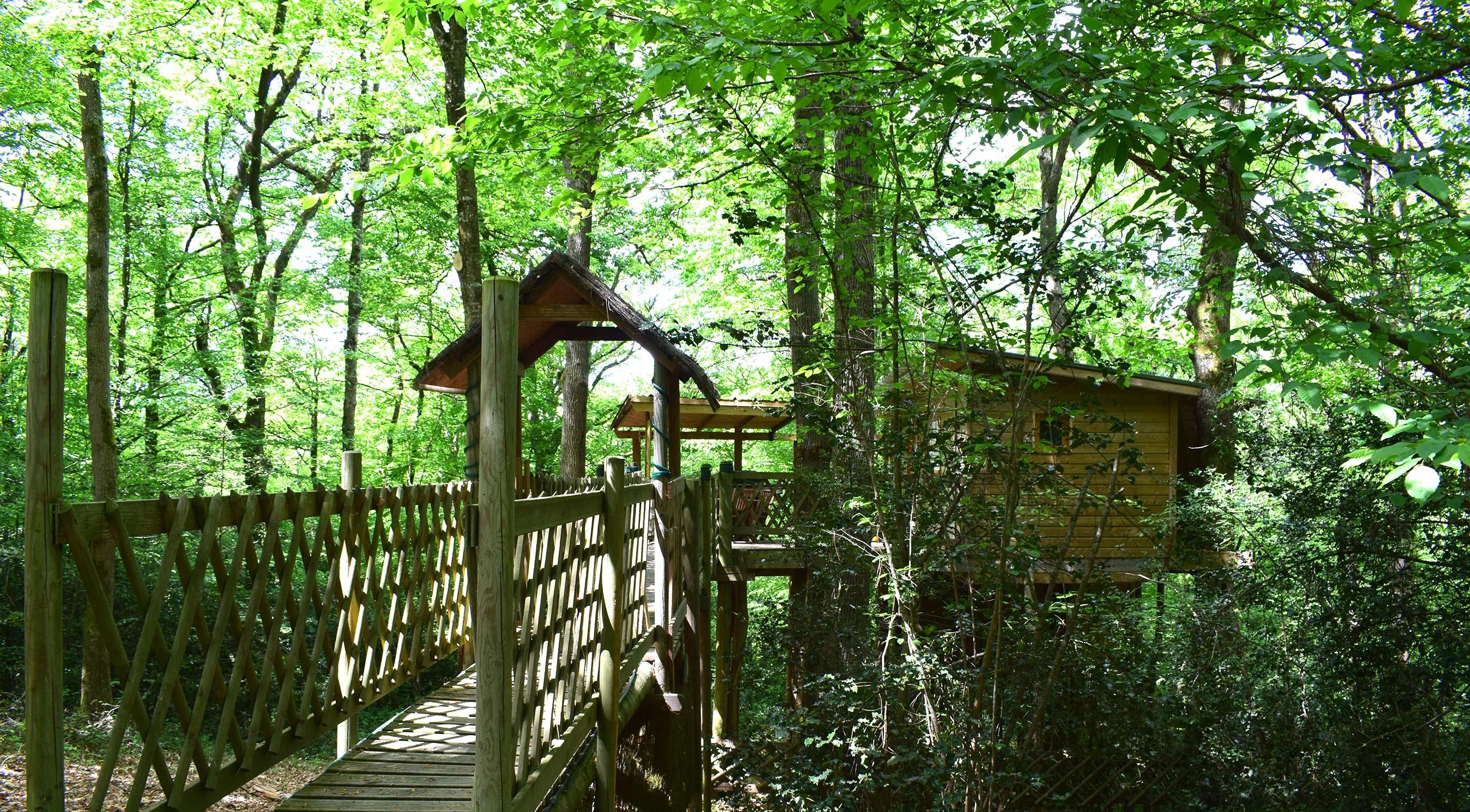 ma cabane dans les arbres location de cabanes dans les. Black Bedroom Furniture Sets. Home Design Ideas